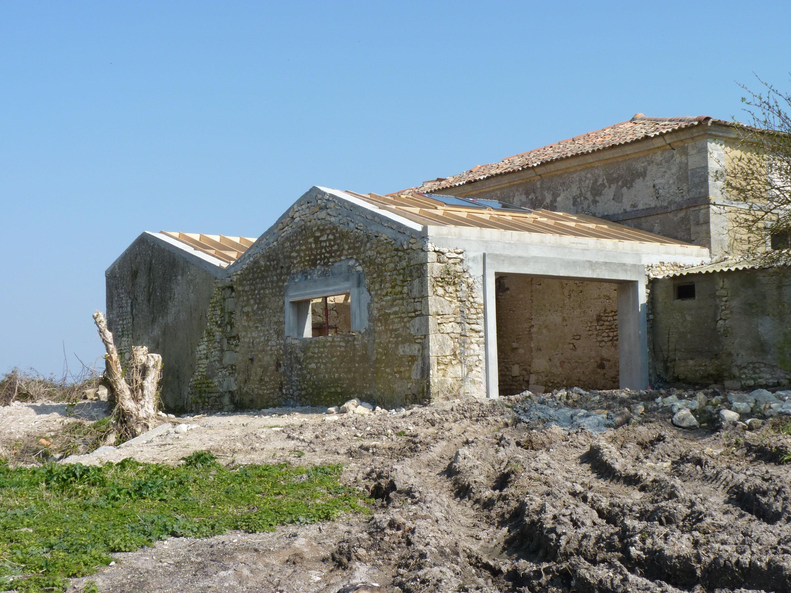 R habilitation d une grange en habitation barzan archi - Rehabilitation d une grange en habitation ...